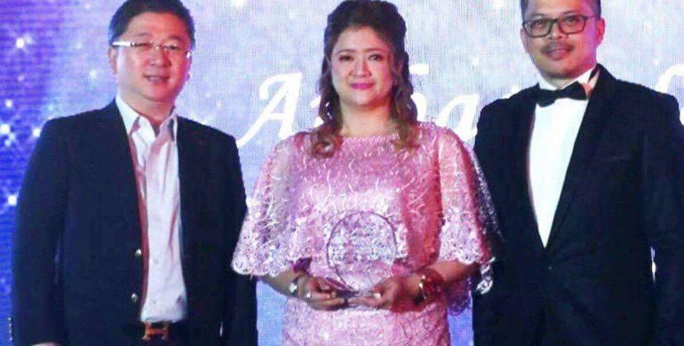 Dr. Gisela Sarmiento is an Ambassador of Thread Aesthetics